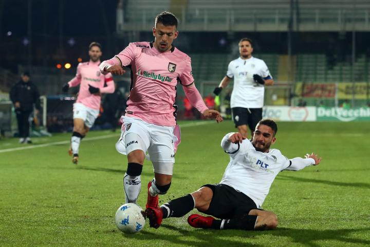 Trajkovski gets a sliding tackle during the game; photo: Serie B